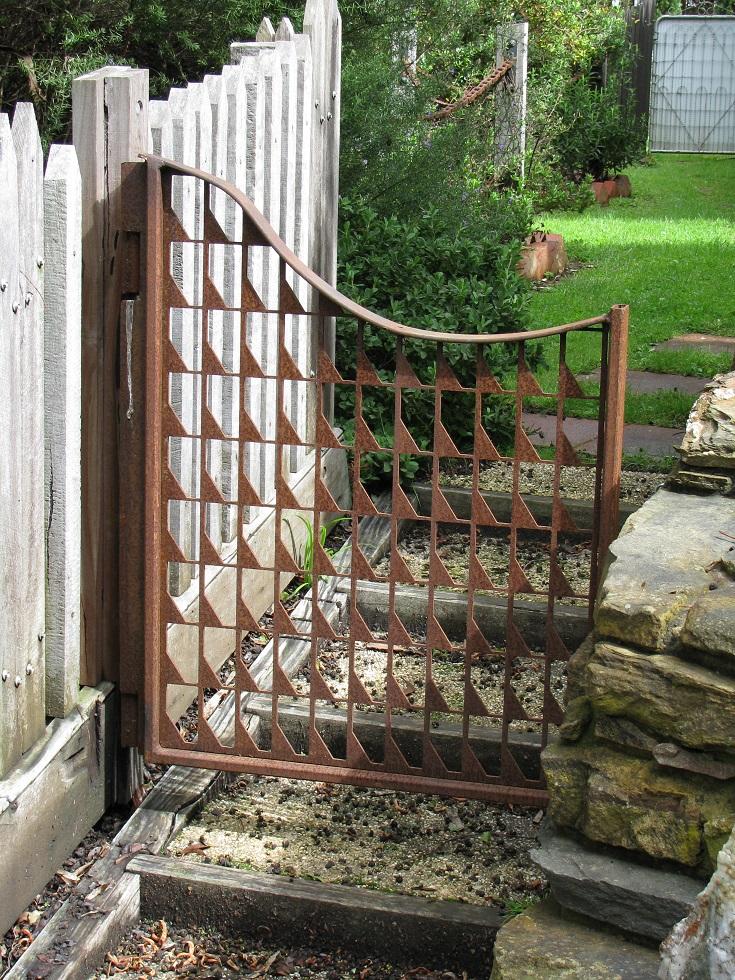 GS-Asymmetrical Gate